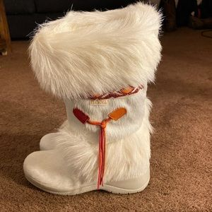 Tecnica ski snow boots.